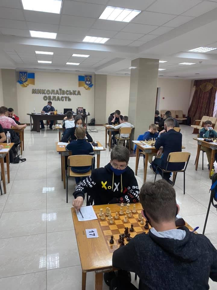 В Николаеве стартовал шахматный «Мемориал Николая Шелеста» - шахматисты приехали даже из Еревана (ФОТО) 11