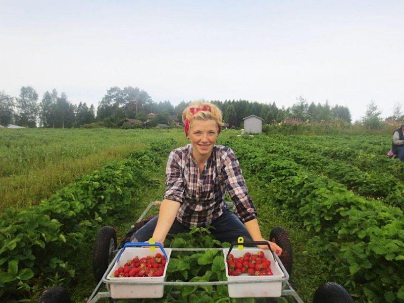 Как работается украинцам на финских фермах (ФОТО)