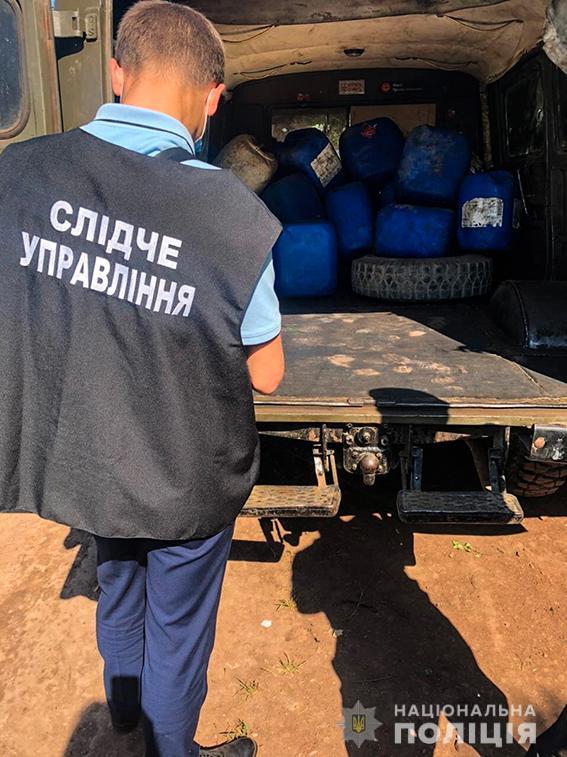 Четверо жителей Николаева и трое работников «Укрзализныци» систематически сливали с поездов дизтопливо - часть воров задержали (ФОТО, ВИДЕО) 13