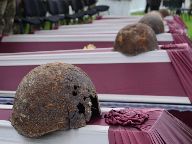 В Донецкой и Житомирской областях перезахоронили почти 200 воинов, погибших в годы Второй мировой войны (ФОТО)