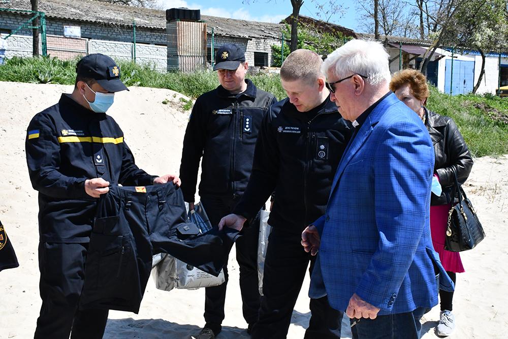 """""""Нибулон"""" передал спасателям моторный катер (ФОТО и ВИДЕО) 5"""