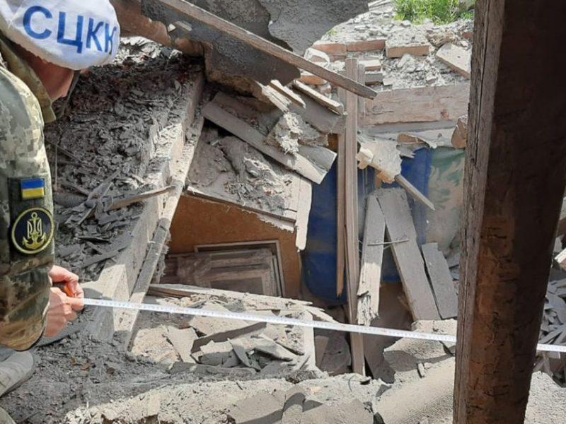 В Песках боевики обстреляли из миномета жилой дом, хозяин выжил чудом