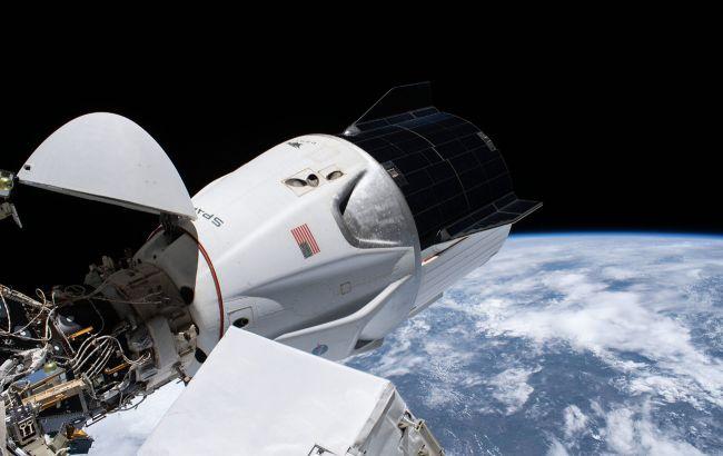 Корабль Crew Dragon вернул на Землю четырех астронавтов после 168 дней на орбите (ВИДЕО)