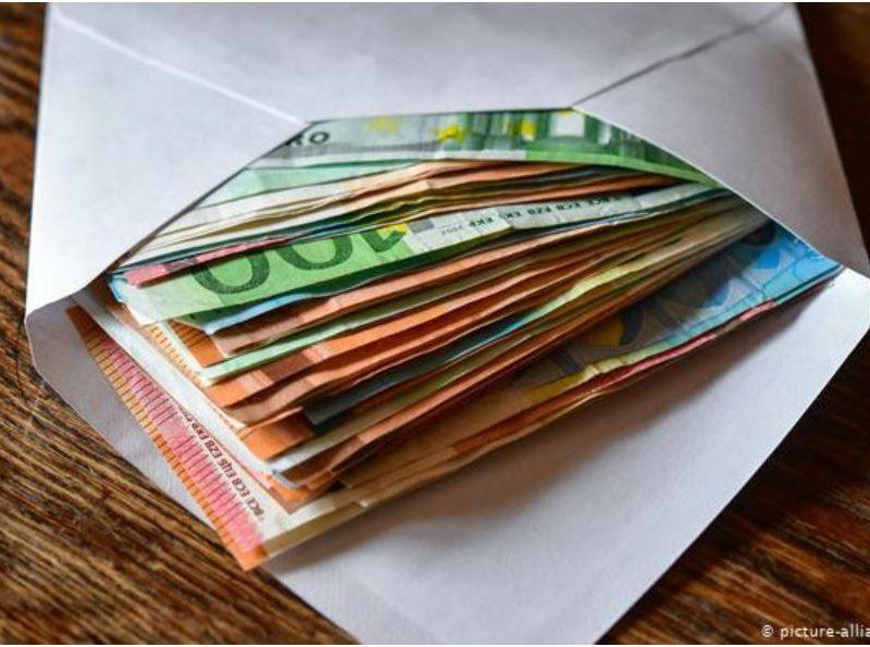 Литва готова платить по 300 евро нелегальным мигрантам, которые согласны покинуть страну