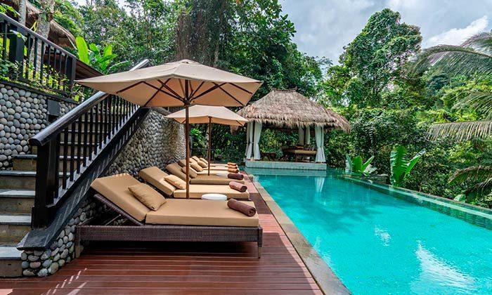 Чтобы поддержать туризм: Индонезия отправит тысячи госчиновников работать в отелях на Бали