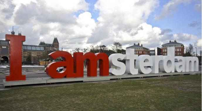 В Нидерландах министра экономики отправили на 3 месяца в отпуск из-за эмоционального выгорания