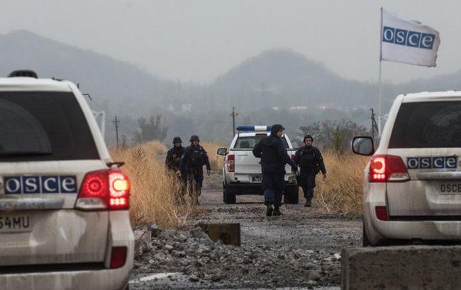 Взрывы и выстрелы: ОБСЕ насчитала 807 нарушений прекращения огня за сутки