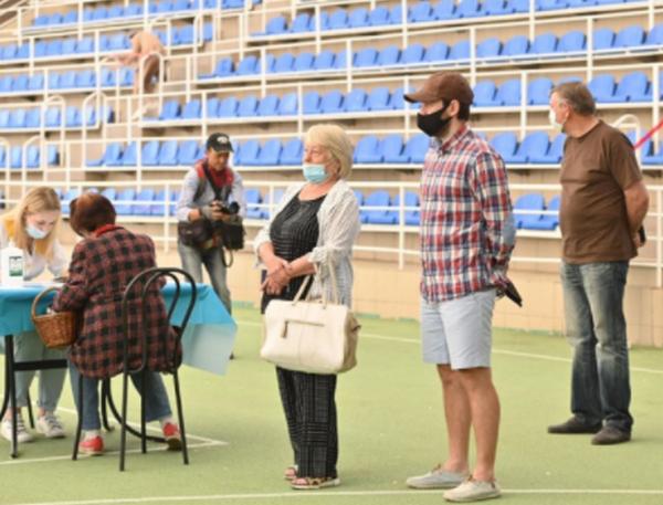 В Одессе на стадионе открыли центр массовой COVID-вакцинации