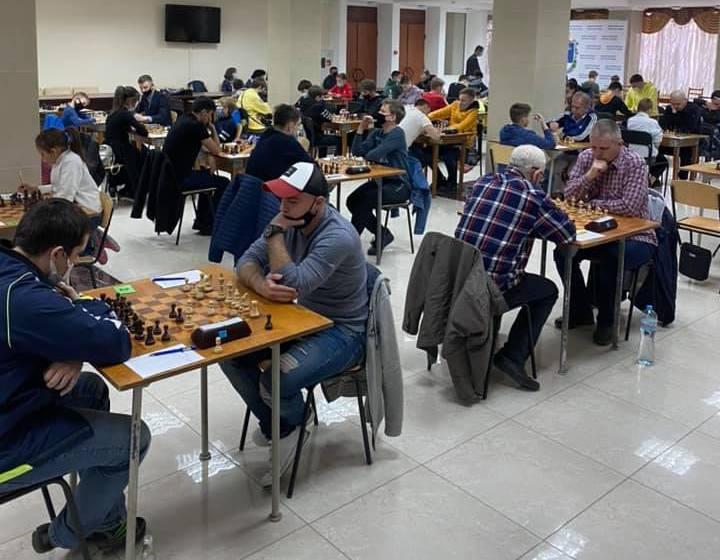 В Николаеве стартовал шахматный «Мемориал Николая Шелеста» — шахматисты приехали даже из Еревана (ФОТО)
