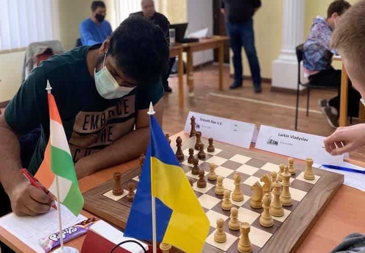В Николаеве стартовал международный гроссмейстерский турнир – участвуют шахматисты 4 стран (ФОТО)
