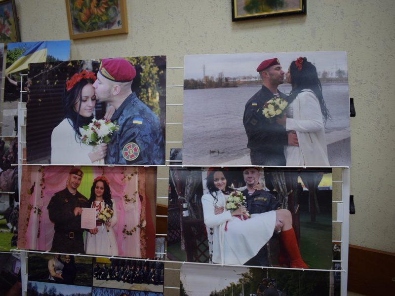 В Николаеве открылась выставка фотографий нацгвардейца Виталия Маркива (ФОТО)