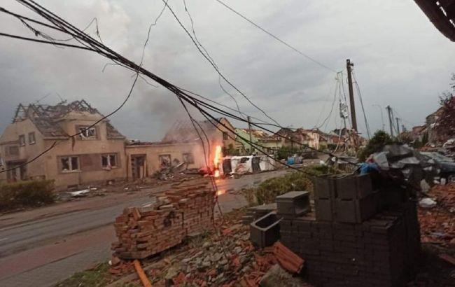 Торнадо в Чехии разрушил 4 села – пострадало 150 человек (ФОТО, ВИДЕО)