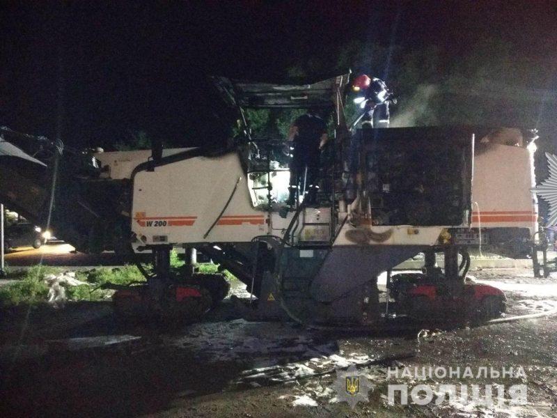Полиция открыла производство по факту поджога дорожной техники в Николаеве и просит откликнуться свидетелей