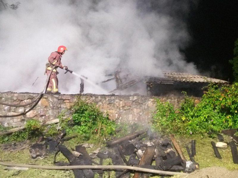 Вчера жилье горело в Первомайском районе (ФОТО)