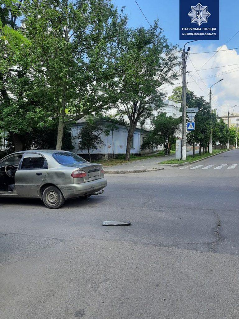 В Николаеве пьяного водителя, скрывшегося с места ДТП, нашли по потерянному номерному знаку (ФОТО) 1