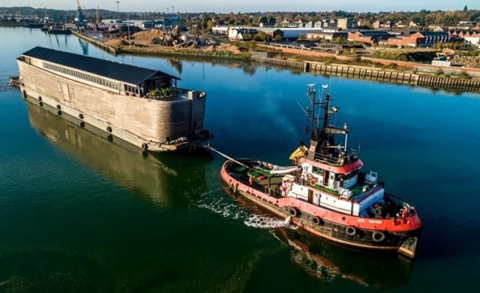 В Британии береговая охрана задержала Ноев ковчег – требует его ремонта (ФОТО)