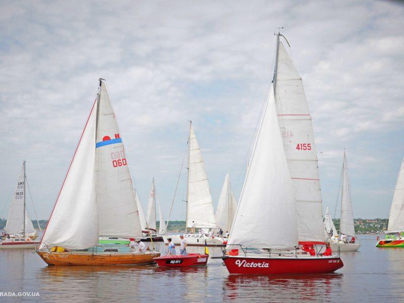 В яхтенной регате Mykolaiv River Cup определены победители. Яхта с мэром Николаева на борту — 4-я в своей группе (ФОТО)