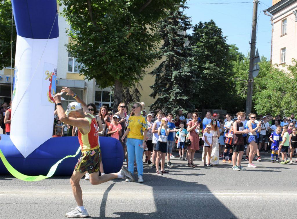 В Николаеве почти 1000 горожан приняли участие в забеге в честь «Олимпийского дня» (ФОТО) 23