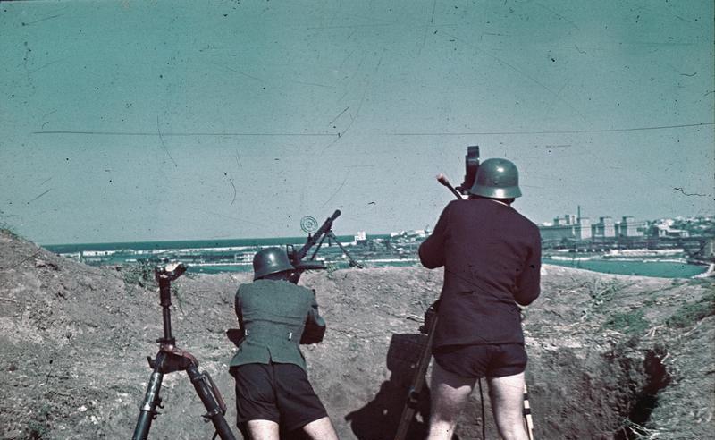 Первые дни войны, как бомбили Киев. Редкие ФОТО и ВИДЕО