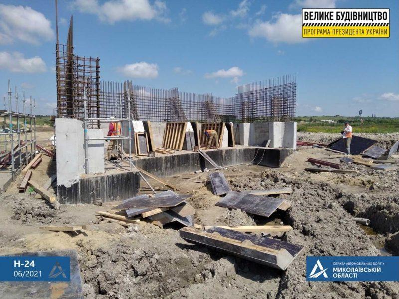 Реконструкция трассы Н-24: на участке под Новой Одессой транспорт пускают в обход