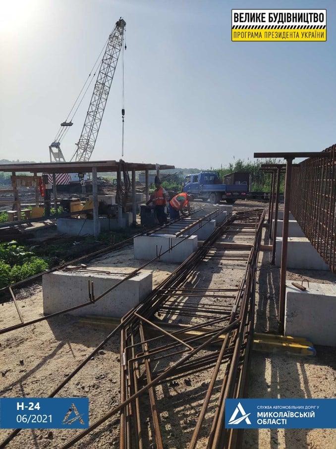 На Николаевщине строительство Троицкого моста ведется круглосуточно (ФОТО) 3