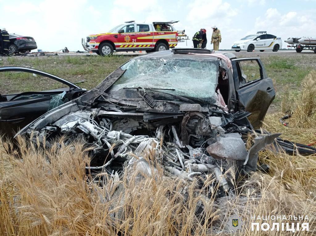 Жуткое ДТП на Николаевщине: трое погибли, двое пострадали, в том числе ребенок (ФОТО, ВИДЕО) 3