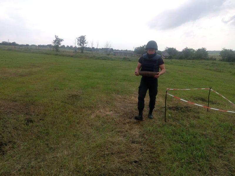 Николаевские пиротехники обезвредили очередной старый артснаряд (ФОТО) 3