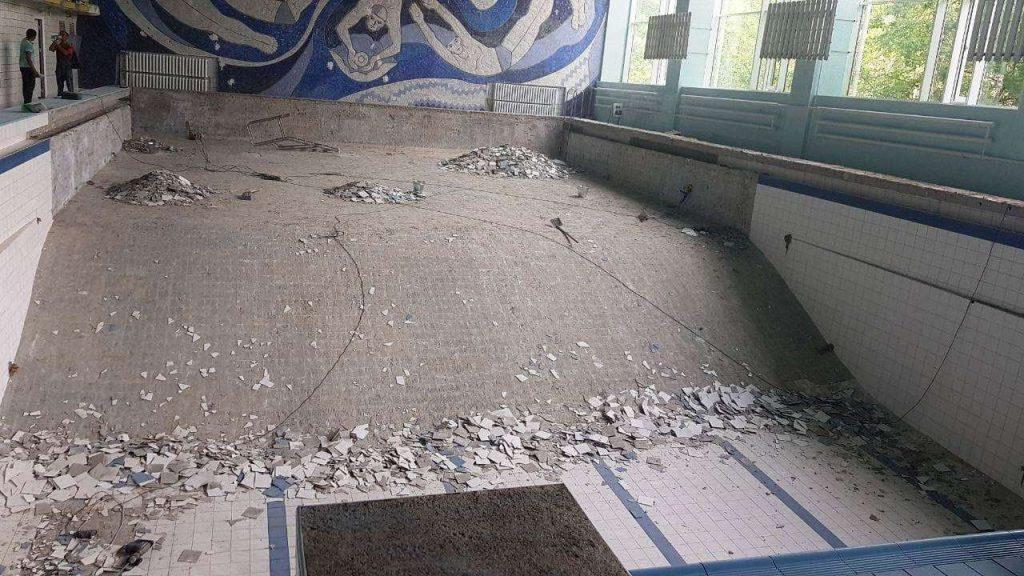 Начался ремонт чаши николаевского бассейна «Зоря» (ФОТО) 3