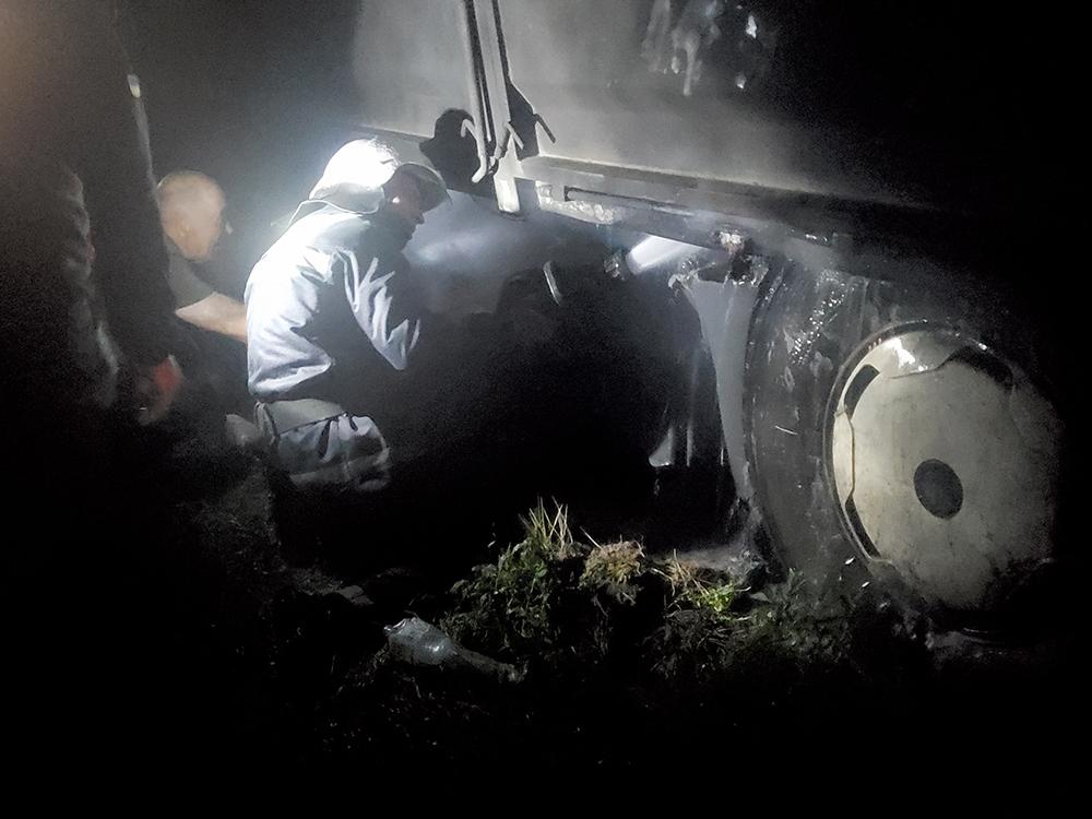 За прошлые сутки спасатели Николаевщины тушили жилой дом и фуру (ФОТО) 3