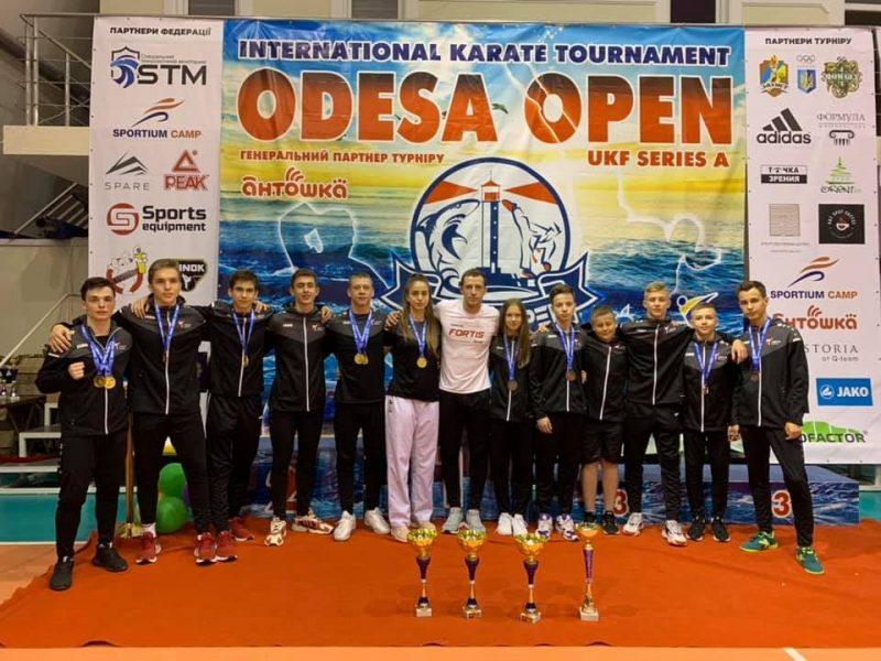 Юные каратисты из Николаева добыли на международном турнире в Одессе 44 награды (ФОТО)