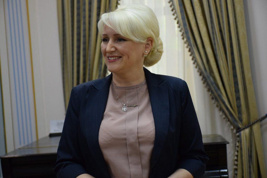 Представлен новый начальник управления культуры, национальностей и религий Николаевской ОГА (ФОТО) 5