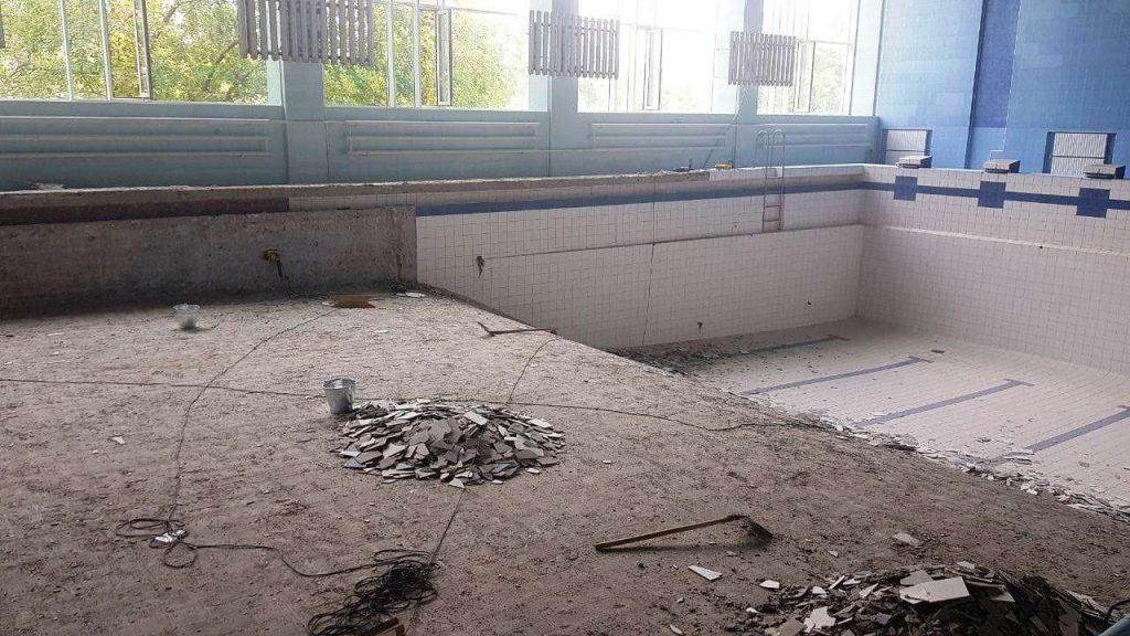 Начался ремонт чаши николаевского бассейна «Зоря» (ФОТО) 5