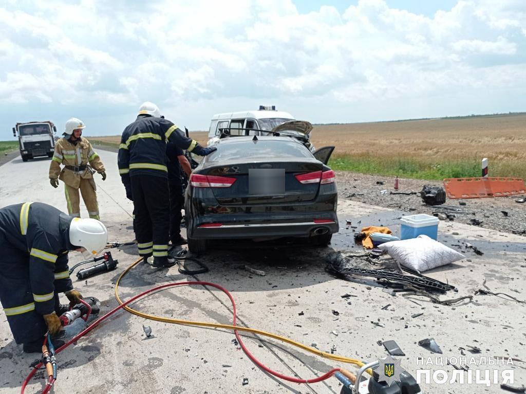 Жуткое ДТП на Николаевщине: трое погибли, двое пострадали, в том числе ребенок (ФОТО, ВИДЕО) 5