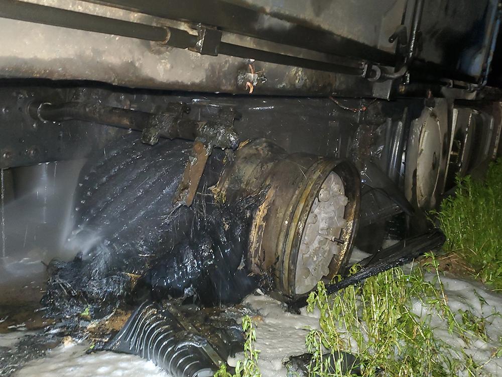 За прошлые сутки спасатели Николаевщины тушили жилой дом и фуру (ФОТО) 5
