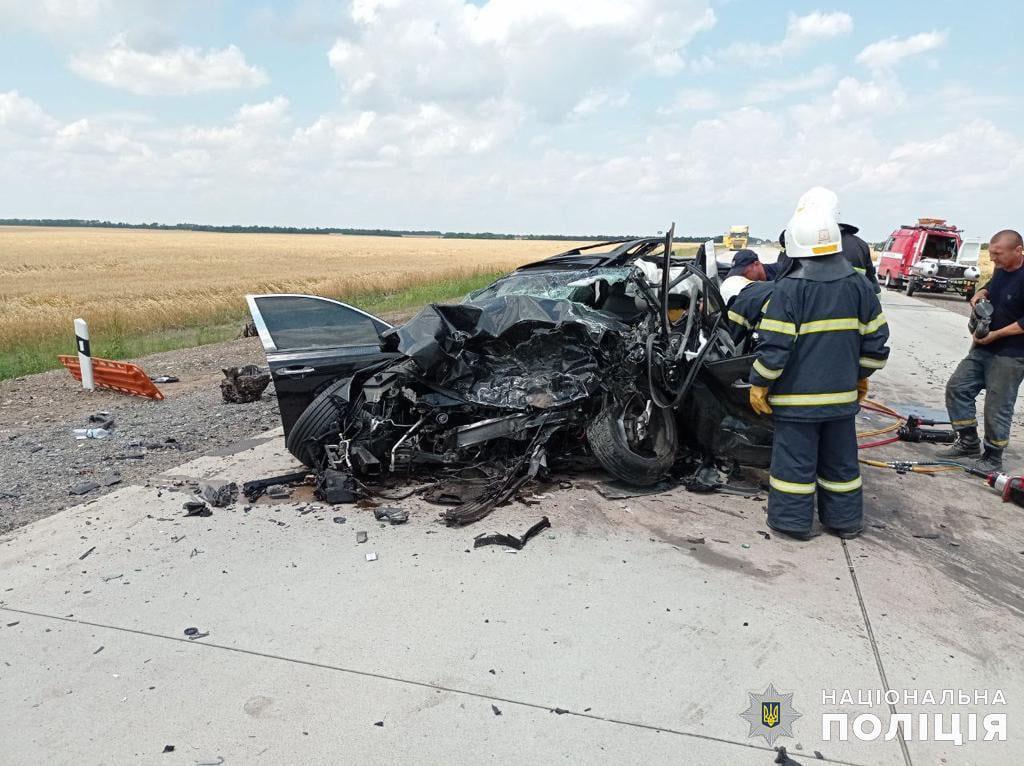 Жуткое ДТП на Николаевщине: трое погибли, двое пострадали, в том числе ребенок (ФОТО, ВИДЕО) 7