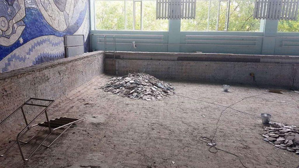 Начался ремонт чаши николаевского бассейна «Зоря» (ФОТО) 9