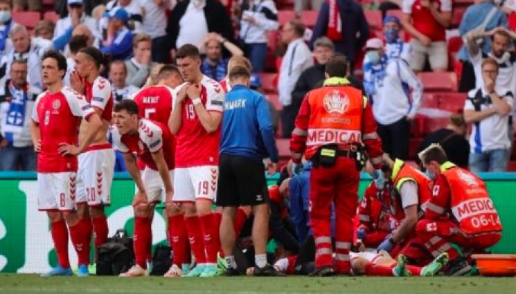 На Евро-2020 капитан сборной Дании потерял сознание во время игры. Мачт прерван (ВИДЕО)