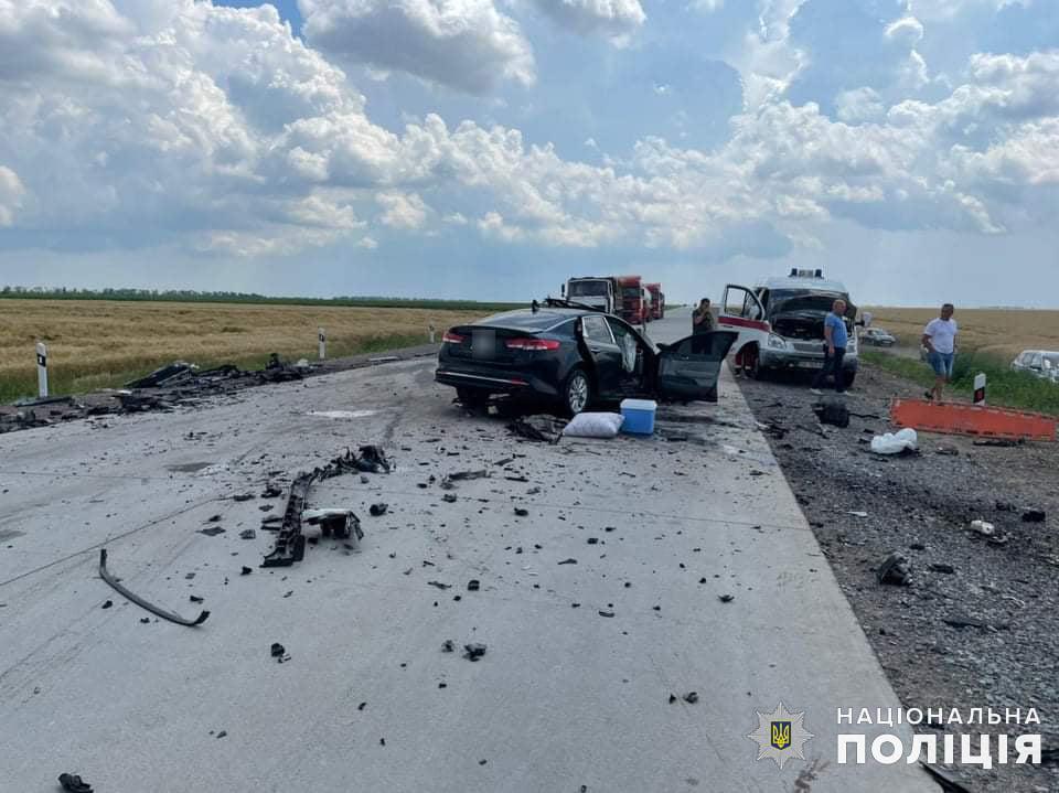 Жуткое ДТП на Николаевщине: трое погибли, двое пострадали, в том числе ребенок (ФОТО, ВИДЕО) 13