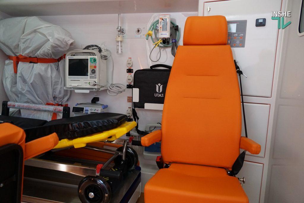 Николаевский областной центр экстренной медицины получил 6 современных реанимобилей (ФОТО) 9