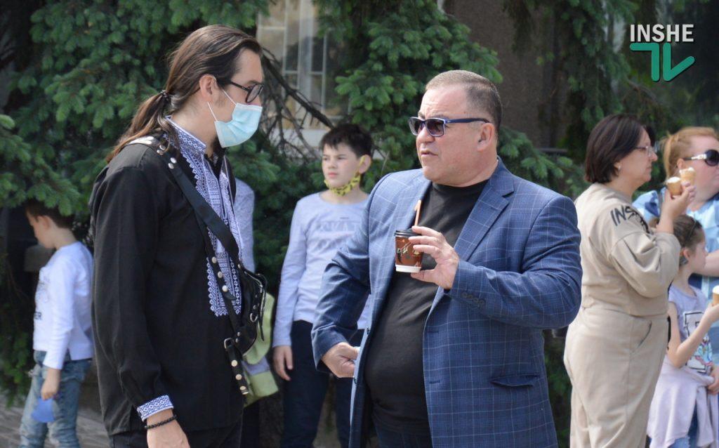 В Николаеве 100 хоров спели гимн Украины на Соборной площади (ВИДЕО и ФОТО) 17