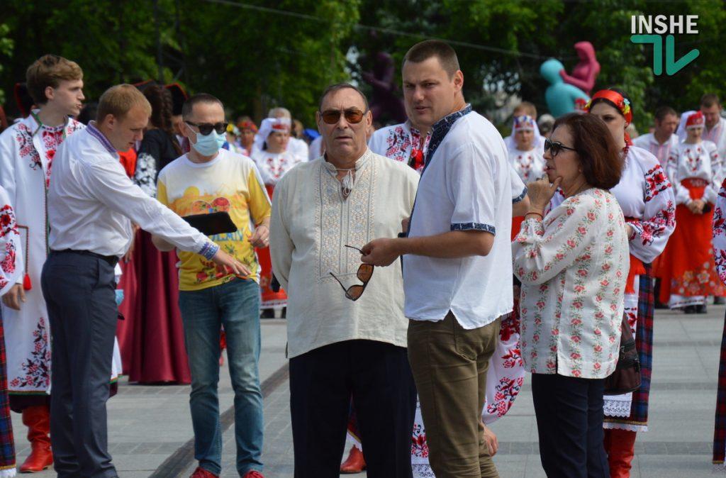 В Николаеве 100 хоров спели гимн Украины на Соборной площади (ВИДЕО и ФОТО) 21