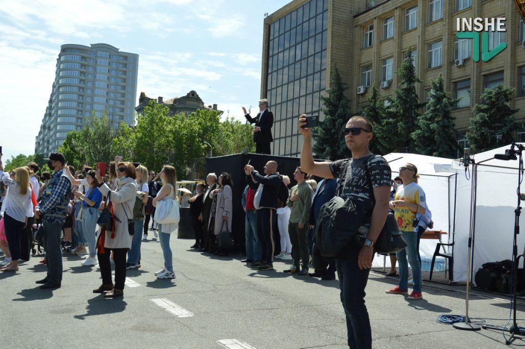 В Николаеве 100 хоров спели гимн Украины на Соборной площади (ВИДЕО и ФОТО) 61