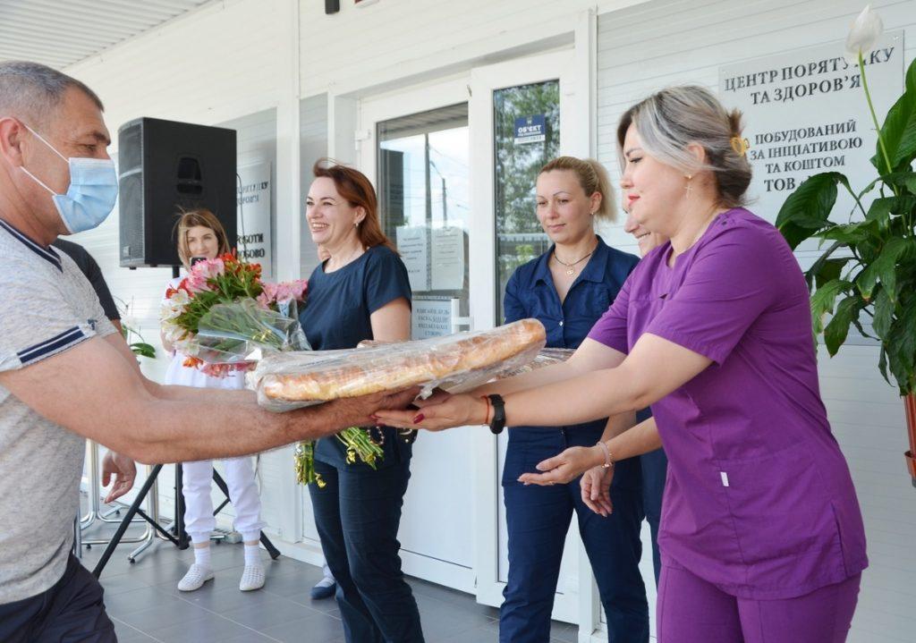 НГЗ поздравил с Днем медработника персонал построенной за средства завода «антиковидной» клиники (ФОТО) 5