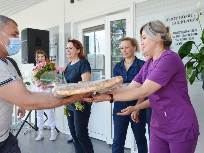 НГЗ поздравил с Днем медработника персонал построенной за средства завода «антиковидной» клиники (ФОТО)