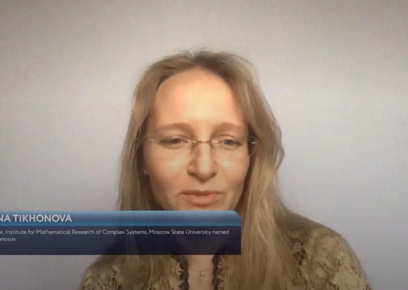 Готовят к публичной деятельности, выводят на первые роли. В РФ на форуме засветили дочерей Путина (ФОТО)