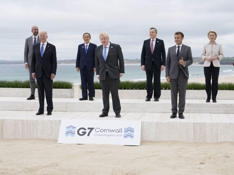 Из-за сепаратизма и географии. На встрече лидеров G7 Джонсон поссорился с Макроном