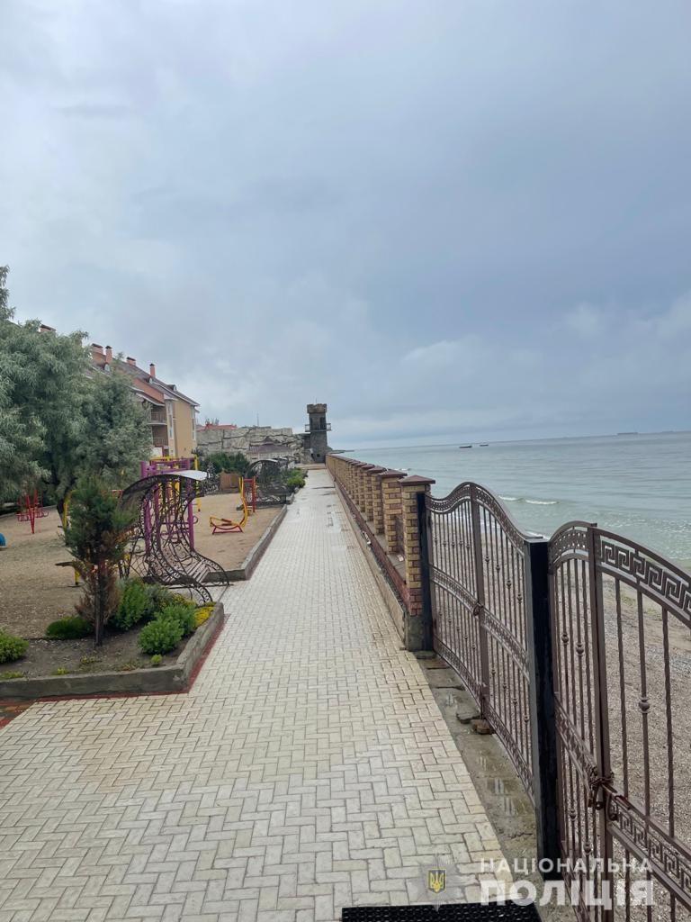 Под видом реконструкции базы отдыха в Коблево мошенники завладели $1,5 млн. (ФОТО) 3