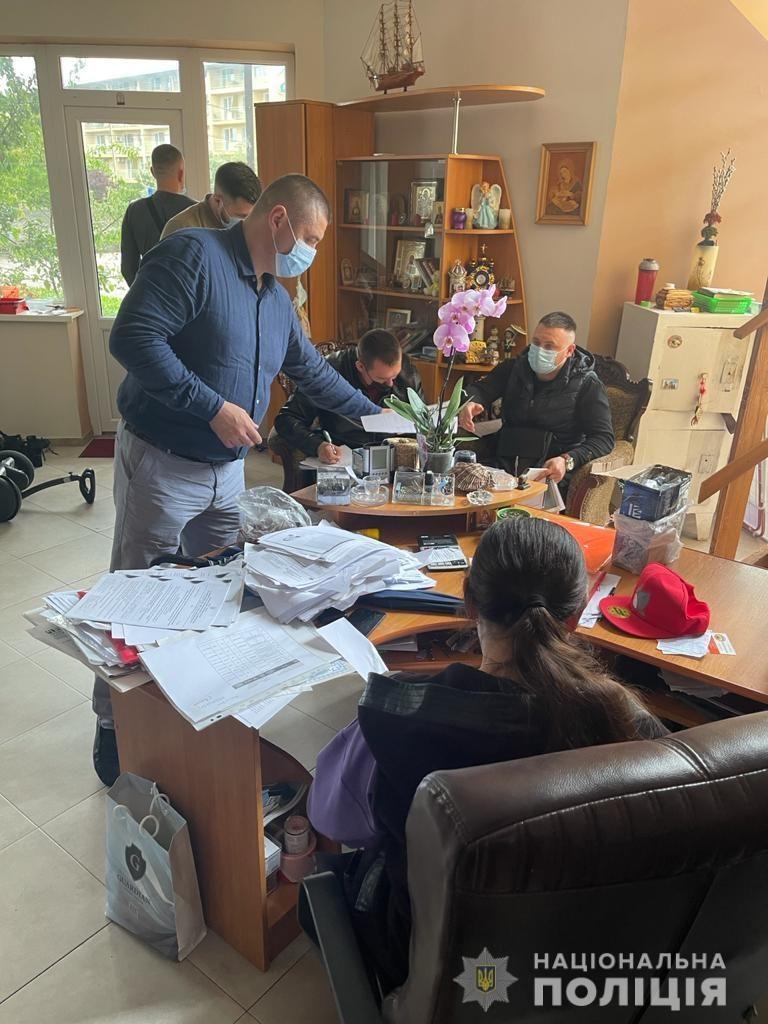Под видом реконструкции базы отдыха в Коблево мошенники завладели $1,5 млн. (ФОТО) 5
