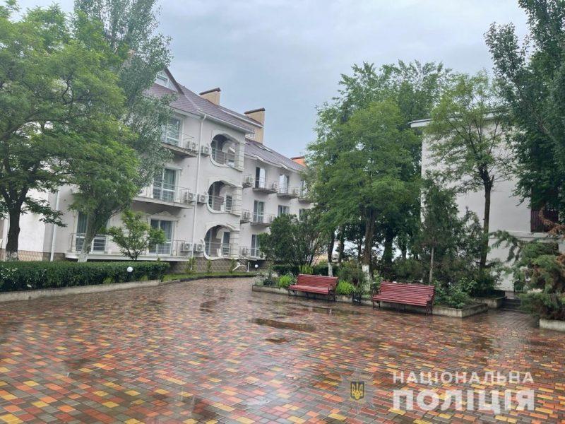 Под видом реконструкции базы отдыха в Коблево мошенники завладели $1,5 млн. (ФОТО)