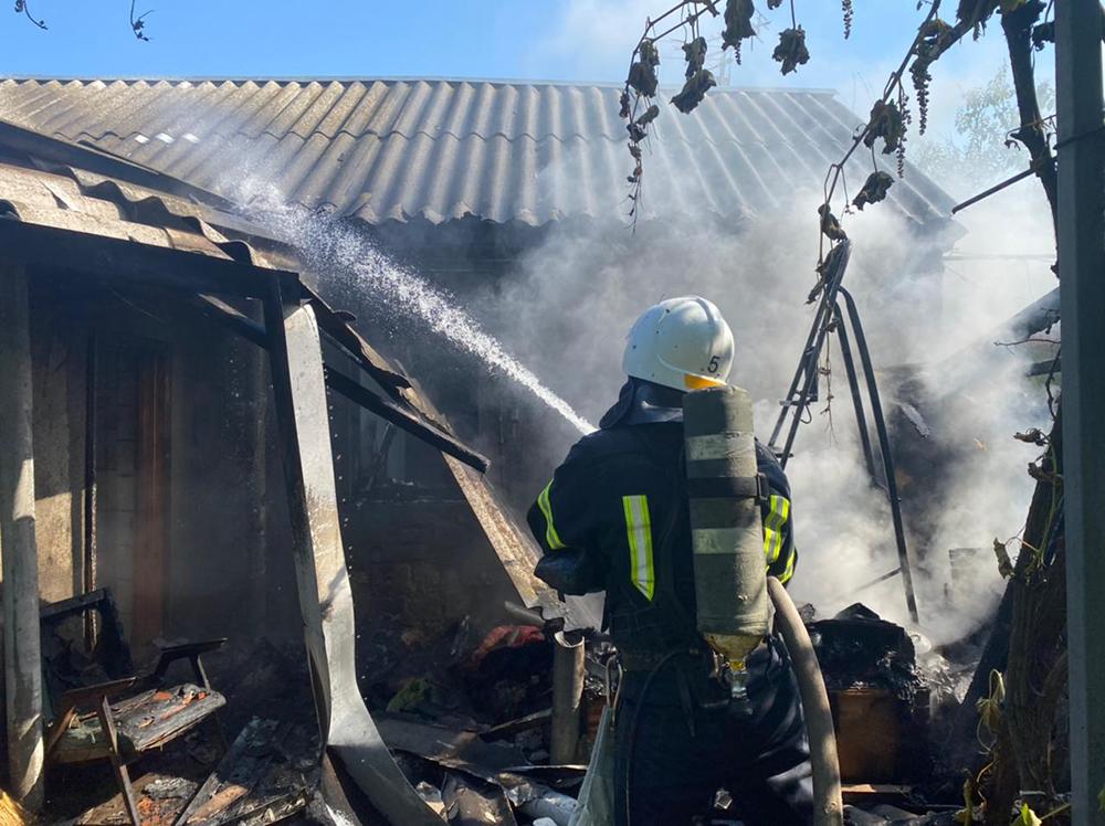 В Николаеве тушили жилой дом - причиной пожара стала неаккуратность (ФОТО) 11